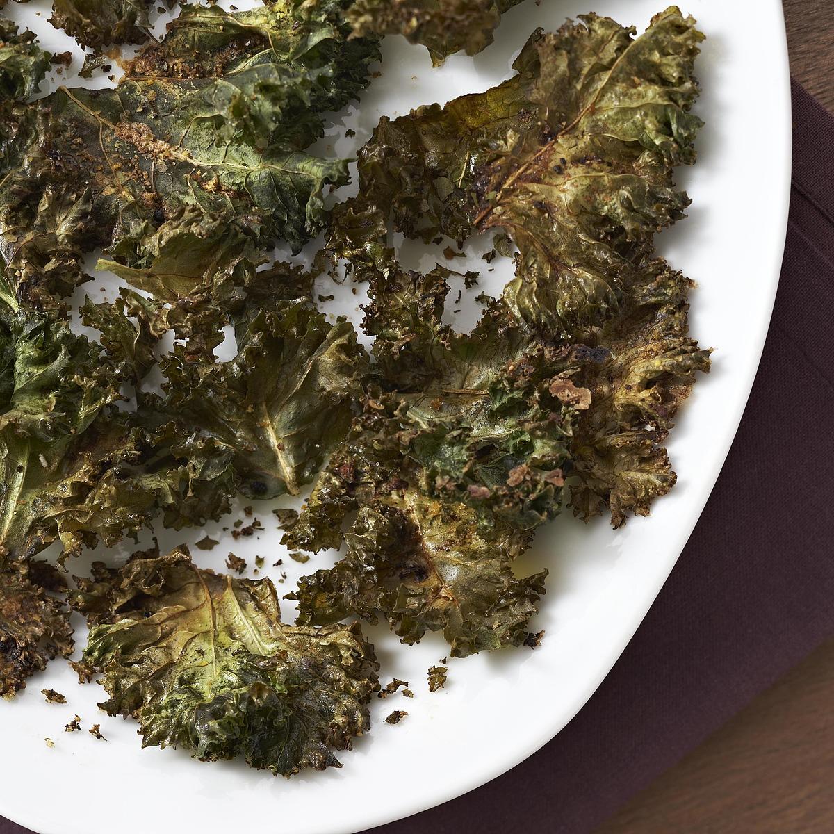 Kale Chips with Lemon-Pepper Seasoning